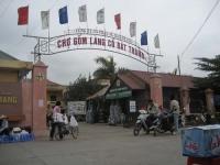 Du ngoạn chợ Gốm Bát Tràng