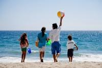 Những nguy hiểm khi đi du lịch biển và cách khắc phục